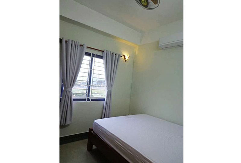 Airy apartment for rent in district 10 Ho Chi Minh city Ba Thang Hai street 2
