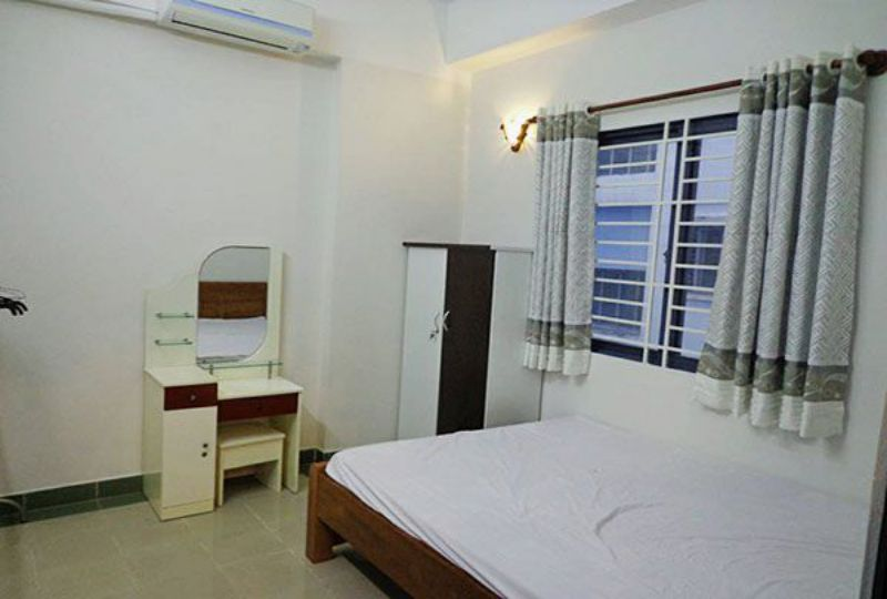 Airy apartment for rent in district 10 Ho Chi Minh city Ba Thang Hai street 3