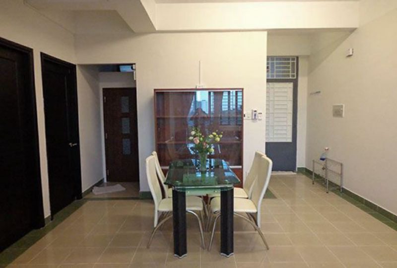 Airy apartment for rent in district 10 Ho Chi Minh city Ba Thang Hai street 4
