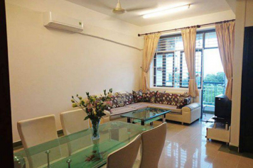 Airy apartment for rent in district 10, Ho Chi Minh city, Ba Thang Hai street.