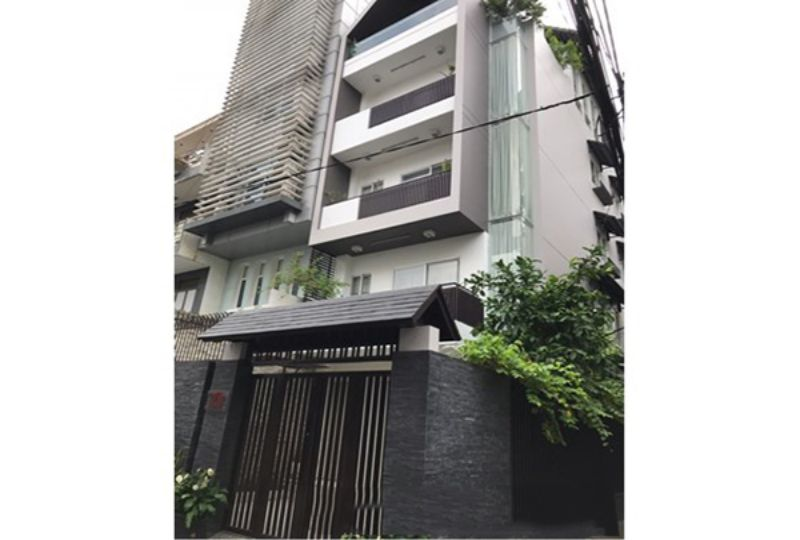 New house for rent in district 3 , Tran Quang Dieu street . Rental : 1800 USD. 3