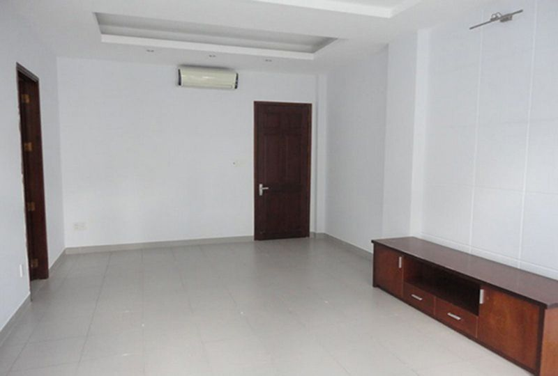 Nice house for rent on Cach Mang Thang Tam street, Tan Binh District . 10