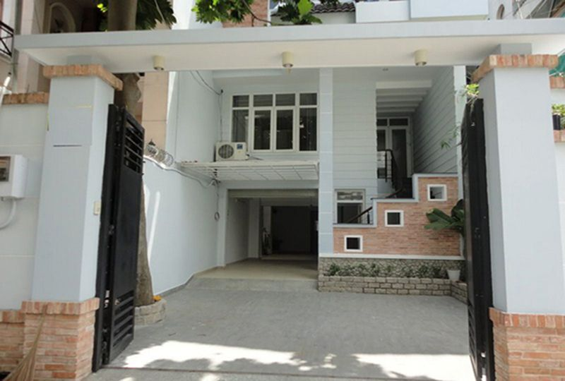 Nice house for rent on Cach Mang Thang Tam street, Tan Binh District . 4