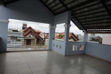 Nice house for rent on Cach Mang Thang Tam street, Tan Binh District .