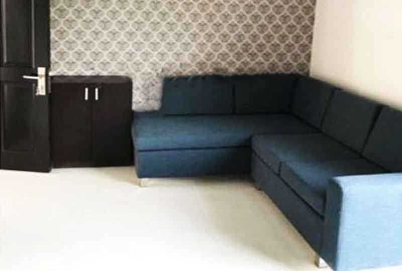 Nice serviced apartment for rent in Bach Dang street Tan Binh district, nearby the airport.