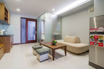 Nice serviced apartment for rent in Tan Binh district , Hoang Sa street .