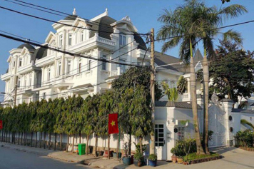 Nice villa for rent in district 2 street 11 An Phu ward Ho Chi Minh city