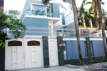 Nice villa for rent on Le Hong Phong street District 10 - Rental : 4000USD