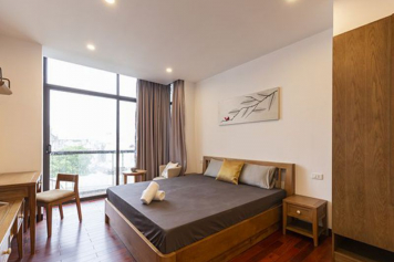 One bedroom serviced apartment for rent on Thach Thi Thanh street Tan Dinh ward District 1