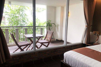 Romantic serviced apartment on Hoang Dieu street for rent in Phu Nhuan