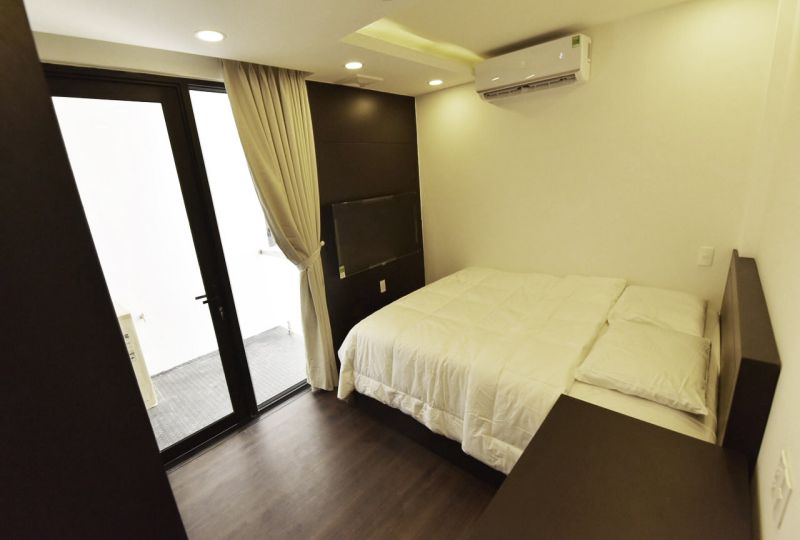 Serviced apartment for rent in District 3 next to railway station