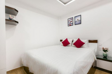 Studio serviced apartment for rent in Tan Binh district Ho Chi Minh City on Le Van Sy street