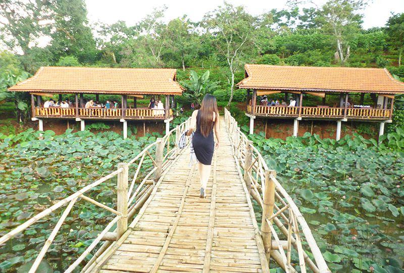 Ko Tam tourist resorts