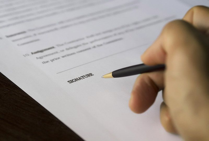 signature on a lease contract